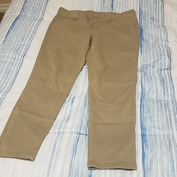 Maurices Pants - Maurices Khaki Jeggings